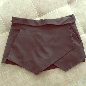 Zara shorts skirt size M